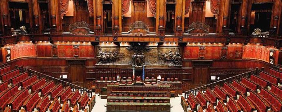 Aderisco al progetto di legge per limitare a 3 il numero for Numero di parlamentari