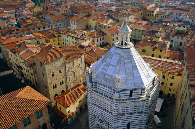 06/01/2004, Tuscany, Italy --- Aerial view of San Giovanni Baptistry, Piazza del Duomo, Pistoia, Tuscany, Italy --- Image by © Bruno Morandi/Robert Harding World Imagery/Corbis
